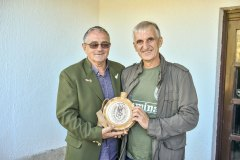 Pokloni-za-domacina-Zivojin-Lazic-i-Stevo-Savic
