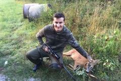Дејан-Станојевић-поред-свог-првог-ловачког-трофеја