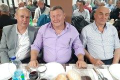 Predsjednik-lovne-regije-Birac-Vidoje-Zaric-sa-svojim-prijateljima
